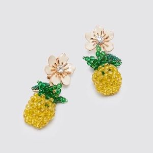 Zara pineapple flower earrings